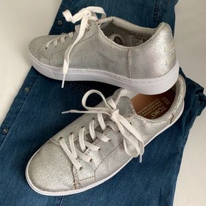 Toms Lace Up Tennis Shoes NWOT Sz. 6.5
